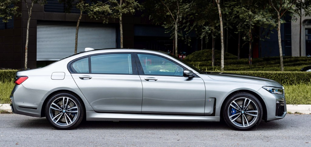 The New BMW 740Le xDrive M Sport (3)