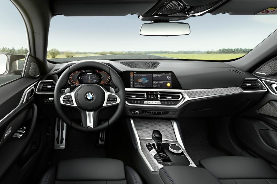 The M440i xDrive interior.