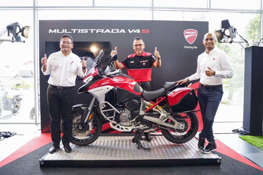 (From left) Datuk Nik Hamdam Nik Hassan, Group Chief Executive Officer, Naza Automotive Group; Datuk Jasmy Ismail, Chairman, Naza Automotive Group and Dennis Michael, Head of Company, Ducati Malaysia.